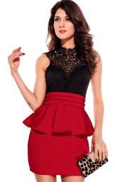 Červeno černé krátké peplum šaty bez rukávů s krajkovým dekoltem Dona