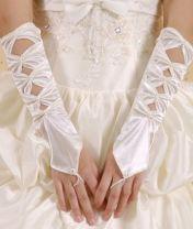 Levné bílé saténové rukavice