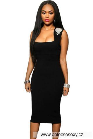 Černé midi šaty s ozdobou na rameni