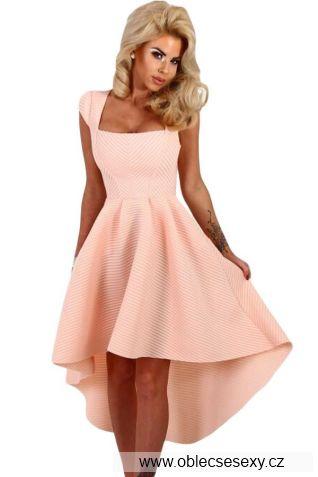 Růžové šaty se sukní