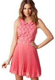 Levné růžové šifón šaty
