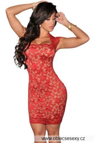 Červené levné krajkové šaty výprodej
