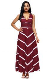 Rudé dlouhé šaty s pruhy