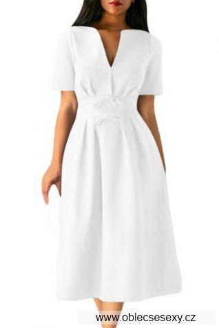 Bílé šaty střední délky
