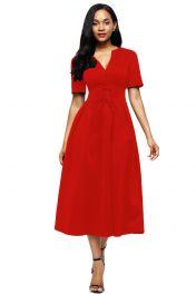 Červené šaty střední délky