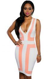 Růžové krátké šaty s výstřihem